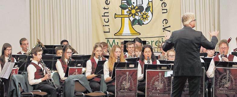 Musikverein feiert mit flotten Rhythmen